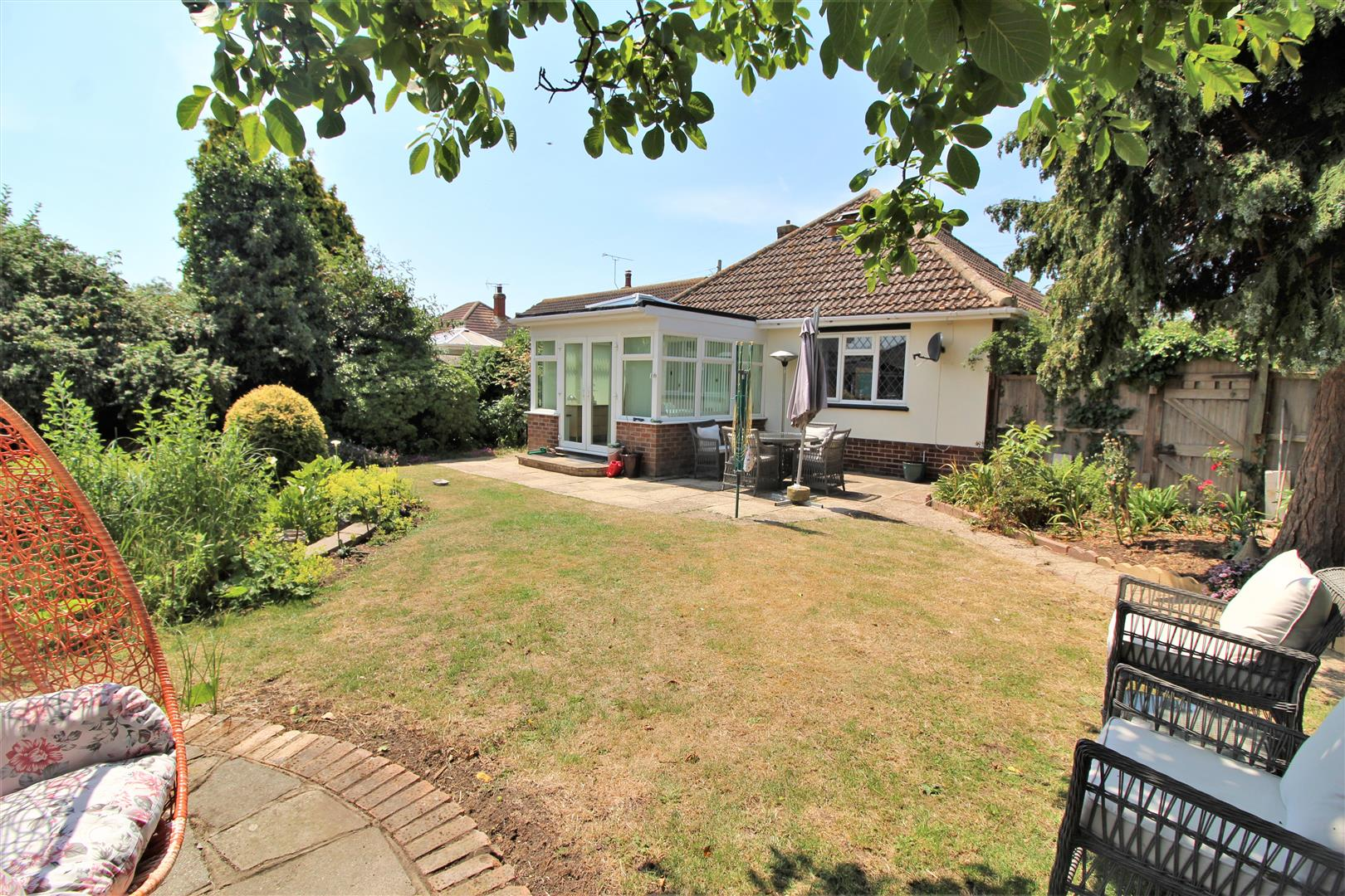 Willow Avenue, Kirby Cross, Essex, CO13 0PS